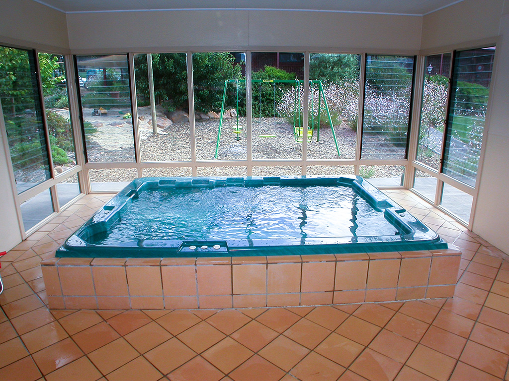 acacia-spa-pool-room-1024