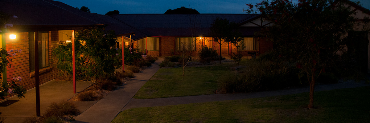kangaroo-island-accommodation-acaia-apartments-night